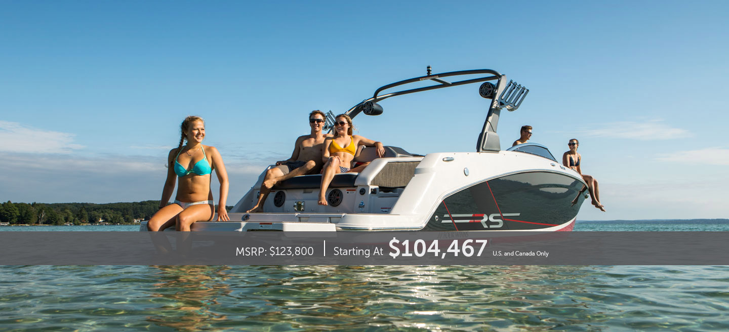 5 people relaxing on the HD 270 RS Surf